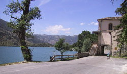 Discover Abruzzo Bike Tour: Lake of Scanno